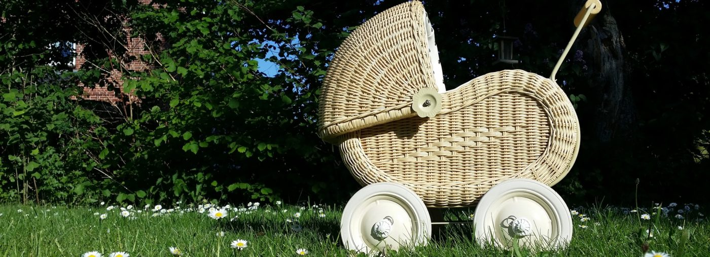 3 Reasons Why A Doll's Pram Makes The Perfect Present